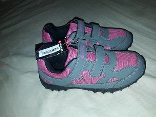 zapatillas de niña nuevas