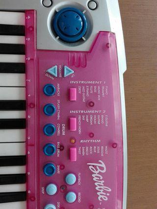 Teclado / piano Barbie