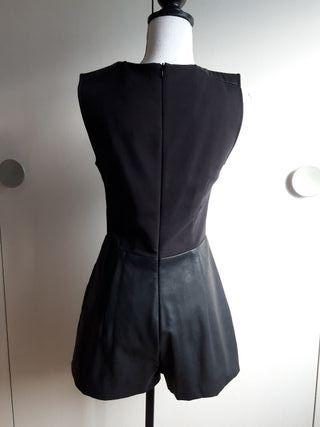 Mono/Buzo polipiel Zara talla M