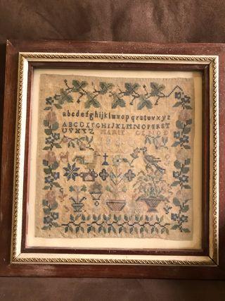 Cuadro abecedario punto cruz, s XIX