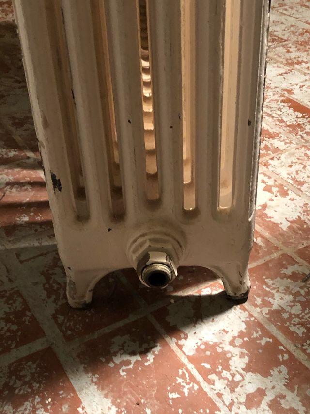Radiateur en fonte des années 50