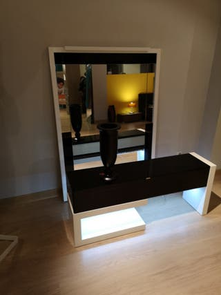 entrada com mural espejo