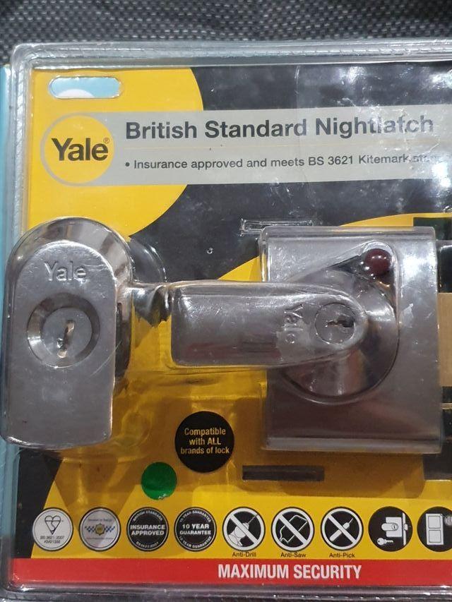 Yale P-BS2-CH-CH-40, BS2 British Standard Nightlat