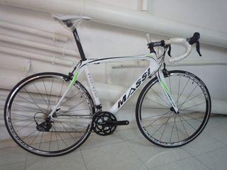 vendo bicicleta de carretera de carbono massi