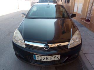 Opel Astra Twin Top Cabrio 2010