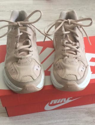 Nike M2K Tekno rosas