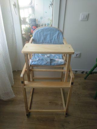 trona de madera convertible en mesa