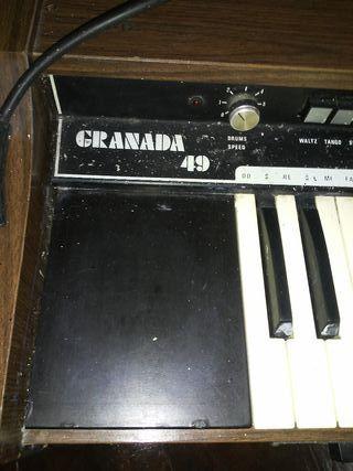 piano organo Granada 49