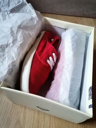 Zapatillas mujer Roxy, color rojo, talla 38 de segunda mano
