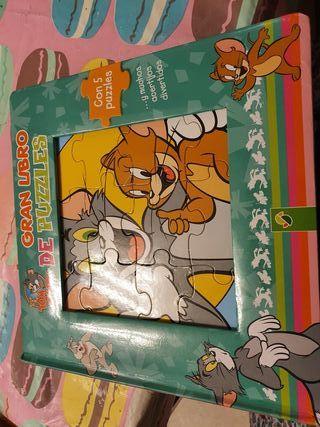 libro puzzle de Tom y Jerry