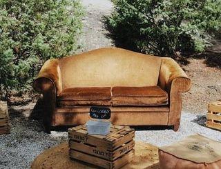 sofá tipo chester
