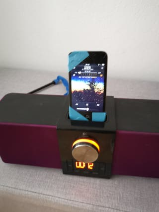 ALTAVOCES-Despertador logitech+ IPOD TOUCH