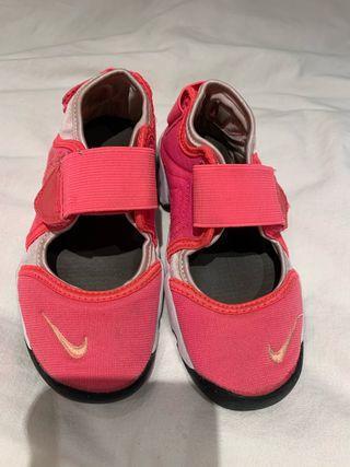 Zapatillas Nike rosa talla 28 de segunda mano por 10 € en