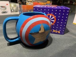 Taza Capitan América para estrenar.