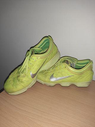 Zapas Nike Training