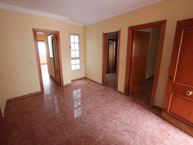 Casa pareada en venta en Teba