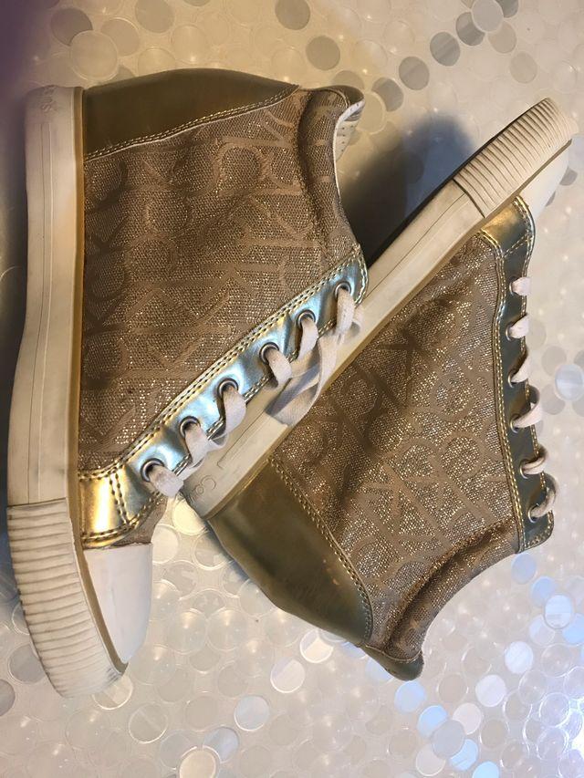 Zapatillas vestir sport con cuña