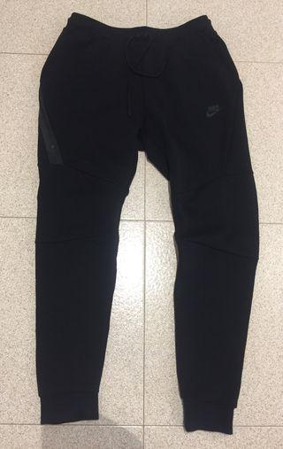 Pantalón NIKE Tech talla S