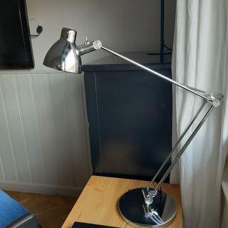 lámpara flexo Ikea