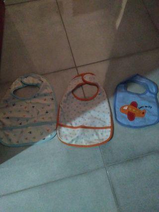 tres baberos bebé ikea y wish
