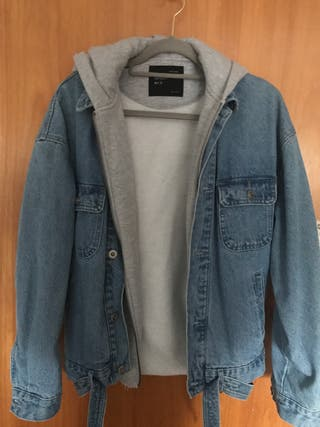 Oversize denim jacket with hoodie and belt