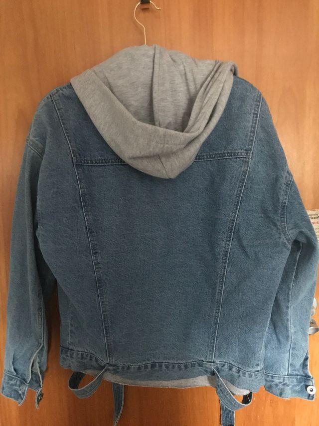 Oversize denim jacket with hoodie and belt