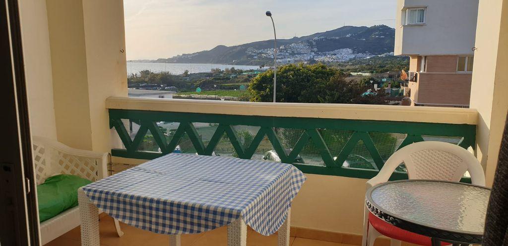 Apartamento de alquiler en Nerja con 2 dormitorios (Nerja, Málaga)
