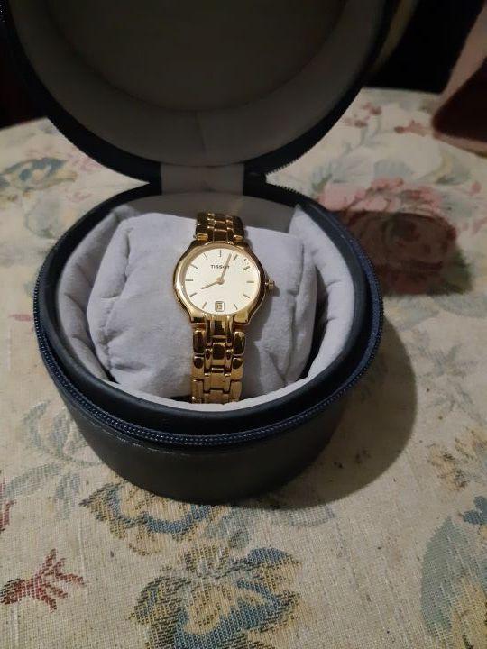 reloj tissot de mujer bañado en oro