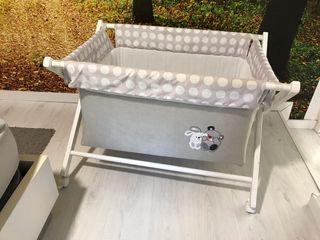Mini cuna bebé con 2 juegos de sábanas