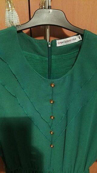 Vestido verde,por la rodilla