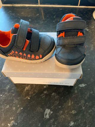 Size 4H infant boys shoes