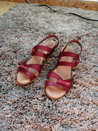 Sandalias con pequeño tacón Jordana