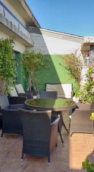 Conjunto de muebles de terraza jardín