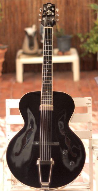 Guitarra THE LOAR LH 600 BK
