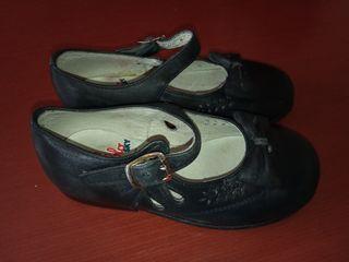 Zapatos para niños de segunda mano en Das Arieiras en WALLAPOP