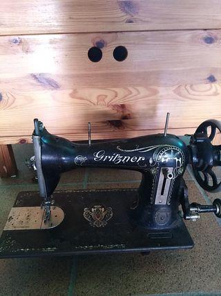 Màquina de coser antigua marca alemana GRITZNER