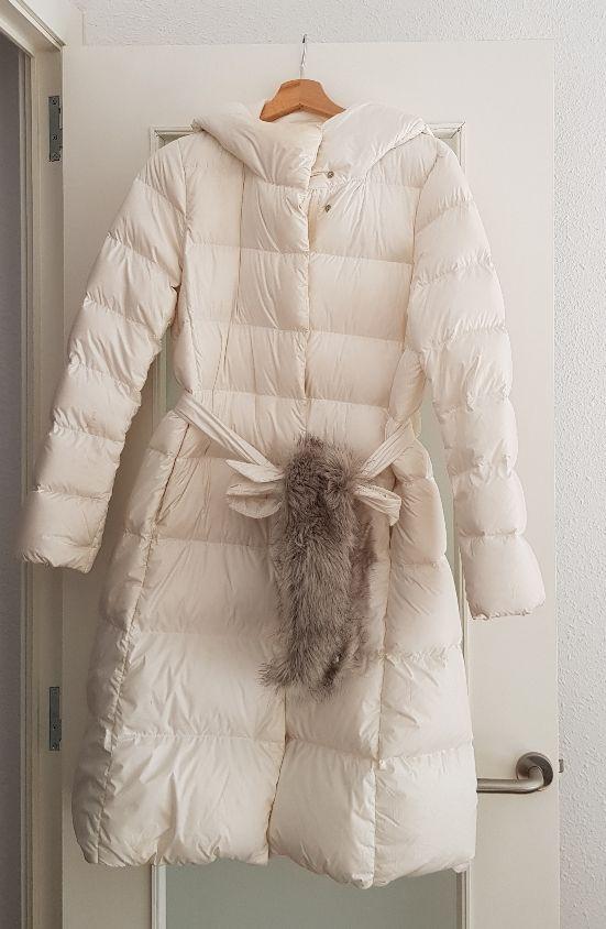 Abrigo largo de plumas Uniqlo (S)
