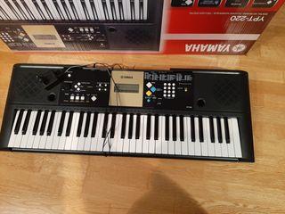 Piano Yamaha YPT 220