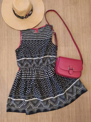 Dress summer black and withe with red detais