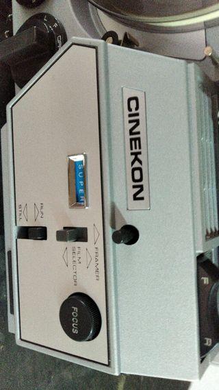 Proyector de cine Cinekon 8 mm