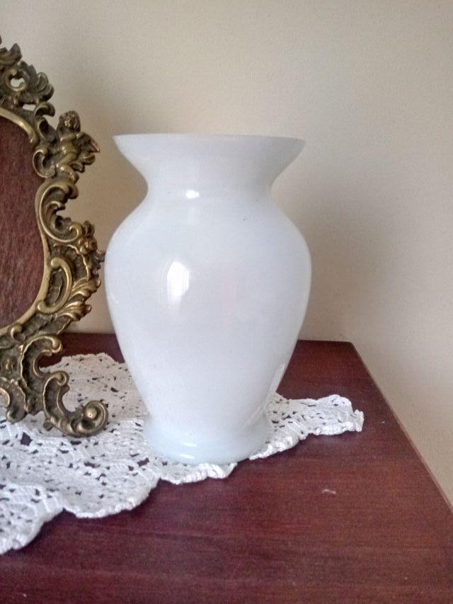 jarroncito vidrio blanco