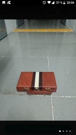 maletín de dominó