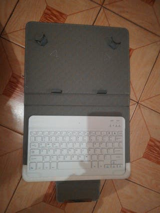 Carcasa tablet con teclado