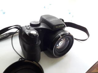 Cámara digital bridge Fujifilm