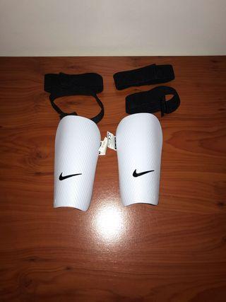 Espinilleras Nike niño