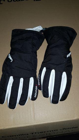 Guantes de nieve blancos y negros