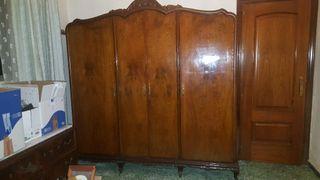 Ropero armario antiguo