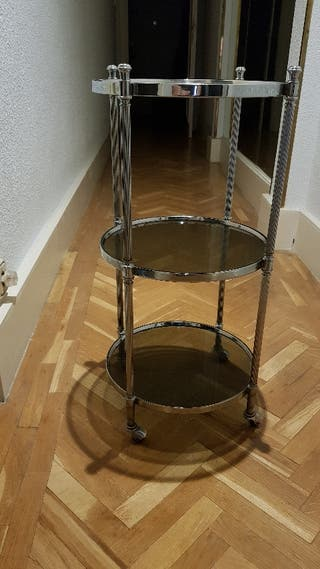 Mesa redonda auxiliar con ruedas
