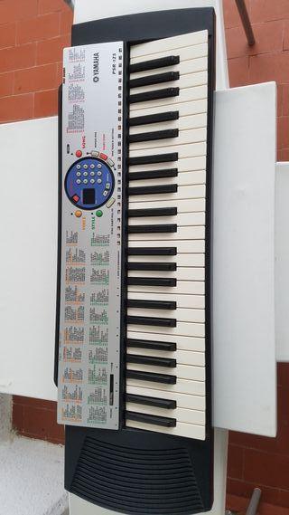 Piano YAMAHA PSR-125 en oferta