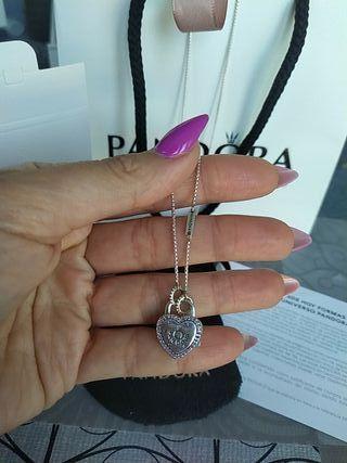 Collar Pandora corazón